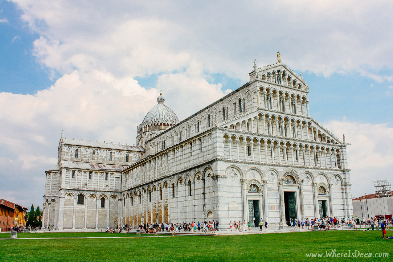 Rushing around the leaning tower of Pisa